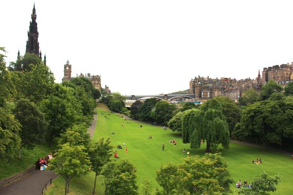 Escocia con niños princess street gardens