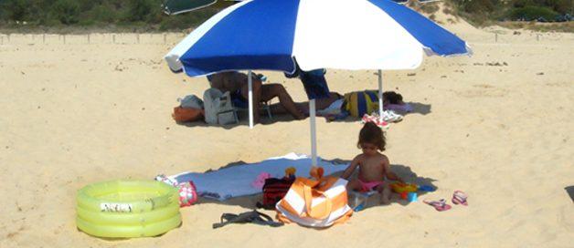 La logística de la playa con niños y bebés