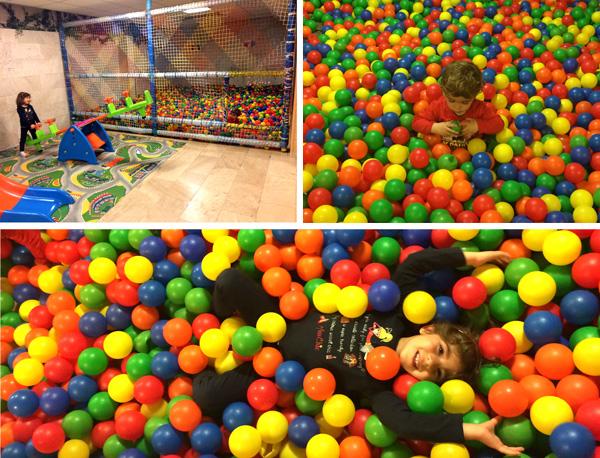 Spahotel parque de bolas niños