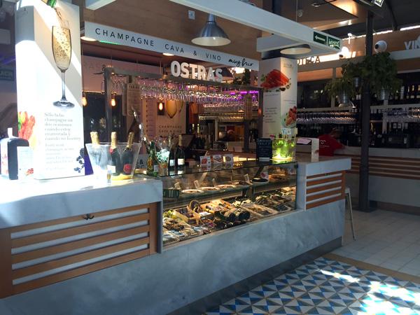 Mercado Victoria puesto de ostras
