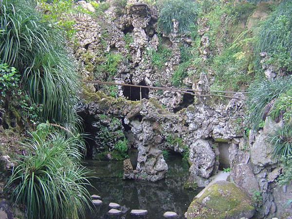 lago de la cascada Regaleira