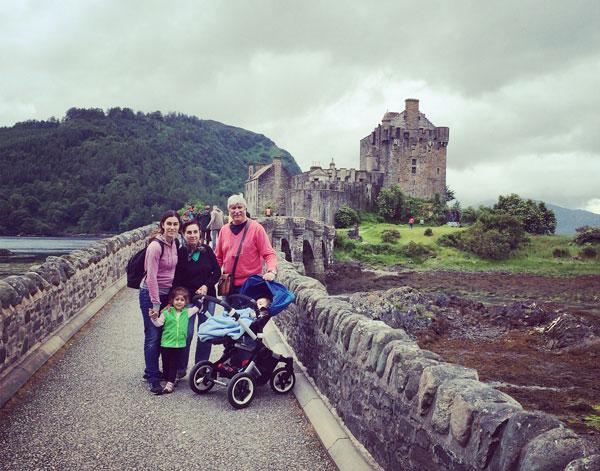 Eilean-donan-en-familia Escocia con niños