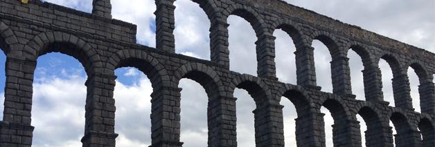 Visita familiar a Segovia con cochinillo