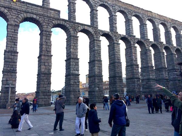 excursiones madrid con niños segovia-acueducto