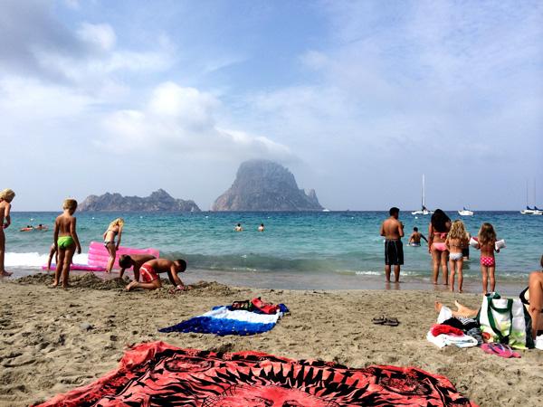 vacaciones en ibiza con niños cala d'hort