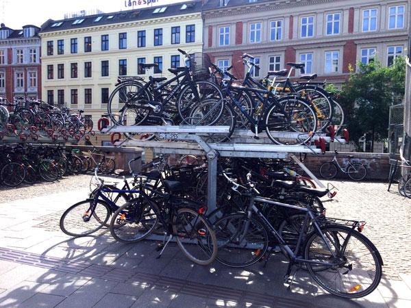 copenhague con niños en bici