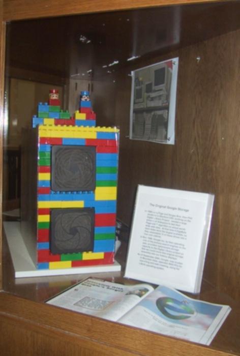 ordenador google con bloques lego