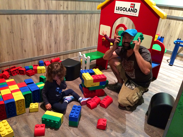 juego con bloques de lego