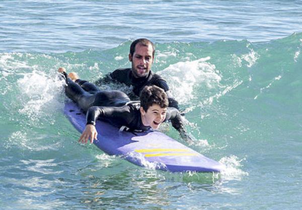 surf en galicia con niños