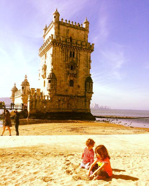 Torre de Belem Lisboa con niños
