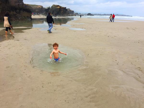 playa de las catedrales con niños