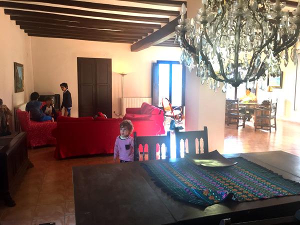 Masia Mas dAlerany Tarragona con niños