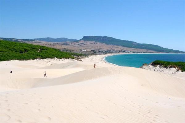 Playa de bolonia. Foto de  www.CadizTurismo.com
