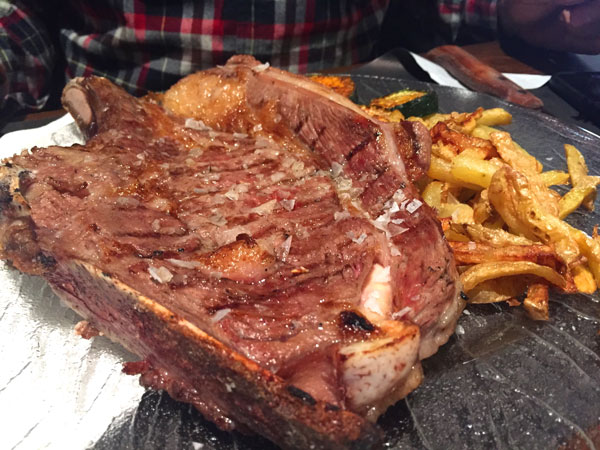 Braseria-Esteve comer en vall d'en Bas La Garrotxa