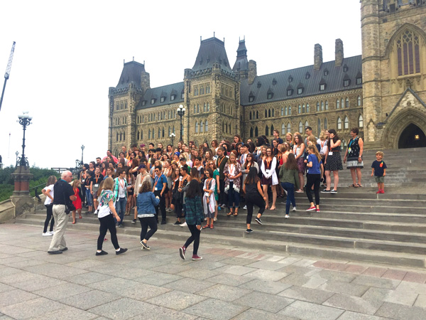 parlamento-ottawa canada con niños