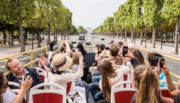 bus-turistico paris con niños