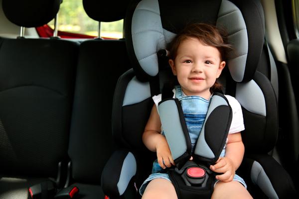 alquilar coche en EEUU sillitas