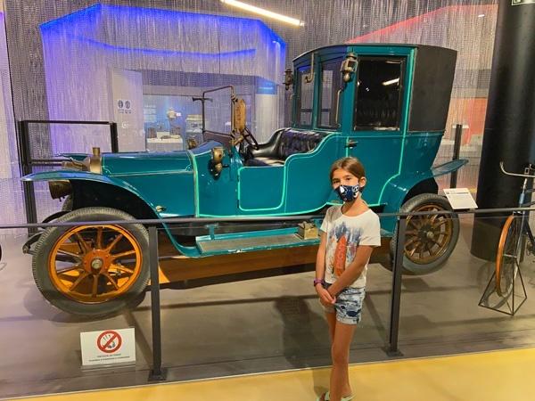 MUNCYT coche antiguo