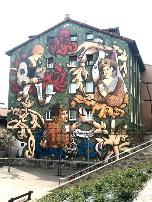 vitoria con niños murales